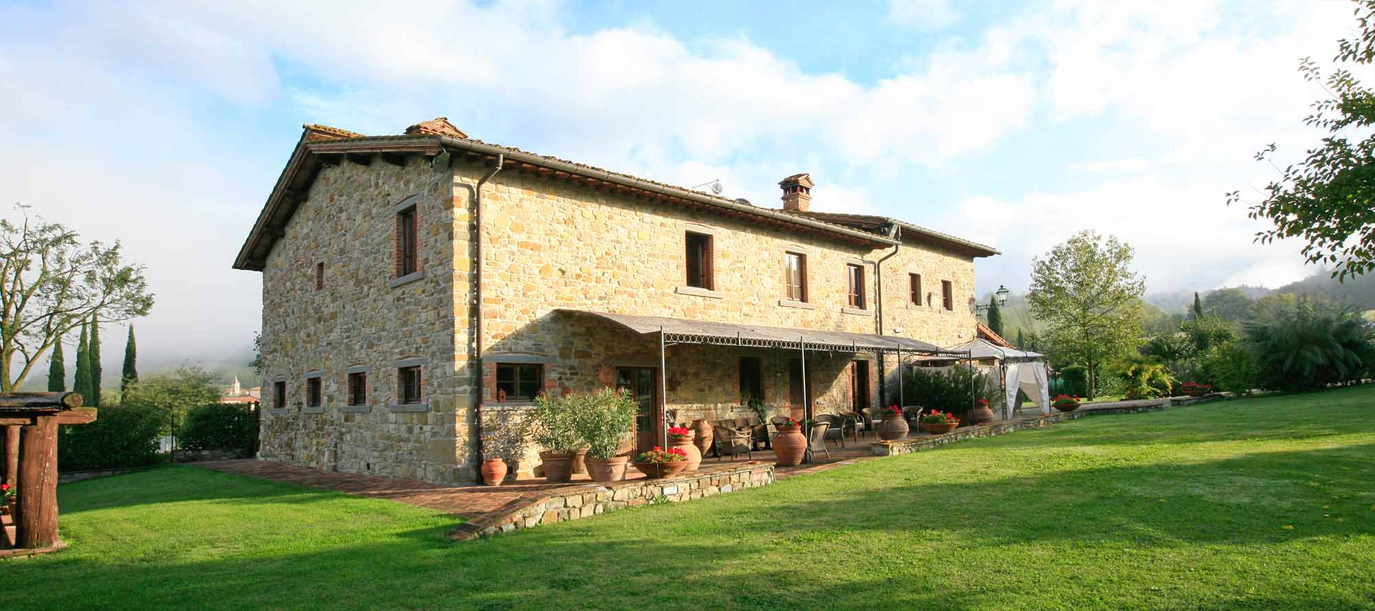 Elegant And Prestigious Tuscan Rental Farmhouse Located In Picturesque Landscape With Many Modern Comforts